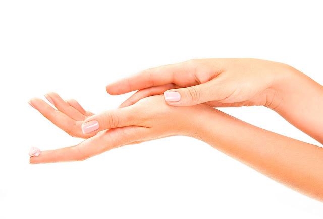 Unas manos más jóvenes