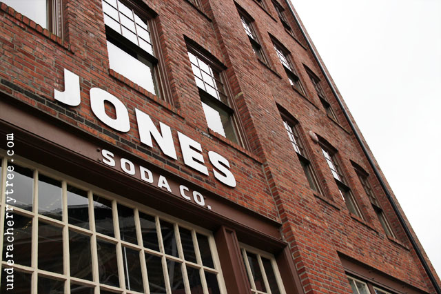http://underacherrytree.blogspot.com/2012/12/jones-soda-co.html