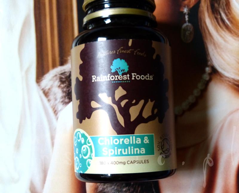 Spirulina i Chlorella w wegetariańskich kapsułkach od Rainforest Foods