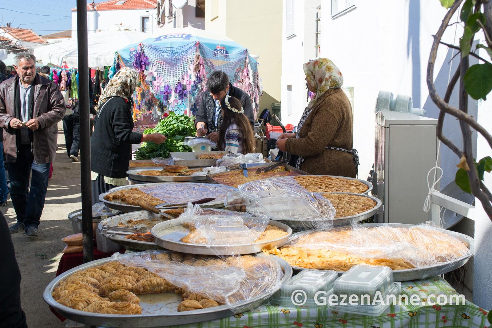 Sığacık kalesi içindeki pazar, Seferihisar