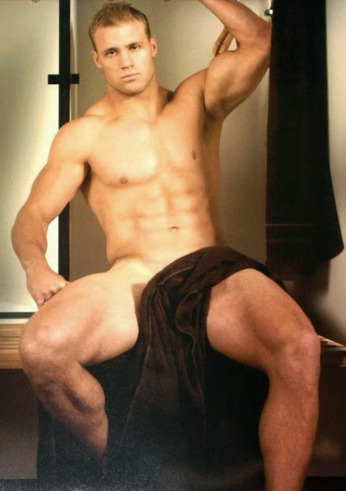 deportistas hombres gay desnudos