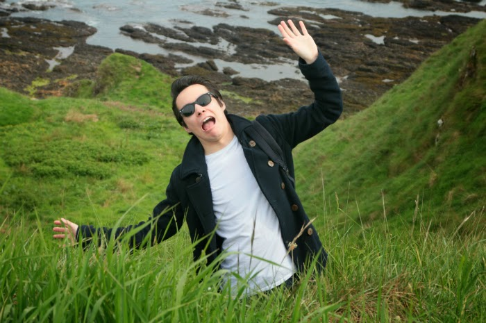 funny pics, people falling from cliffs, stonehaven, aberdeen