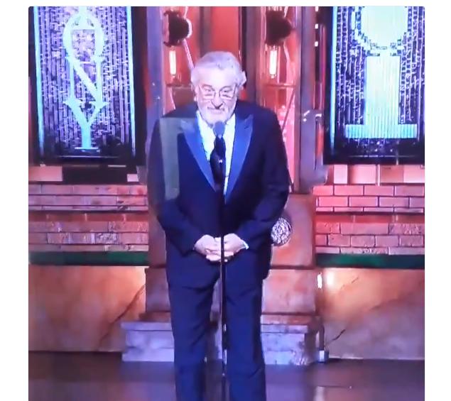 Robert DeNiro curses Trump on Tony Awards 2018