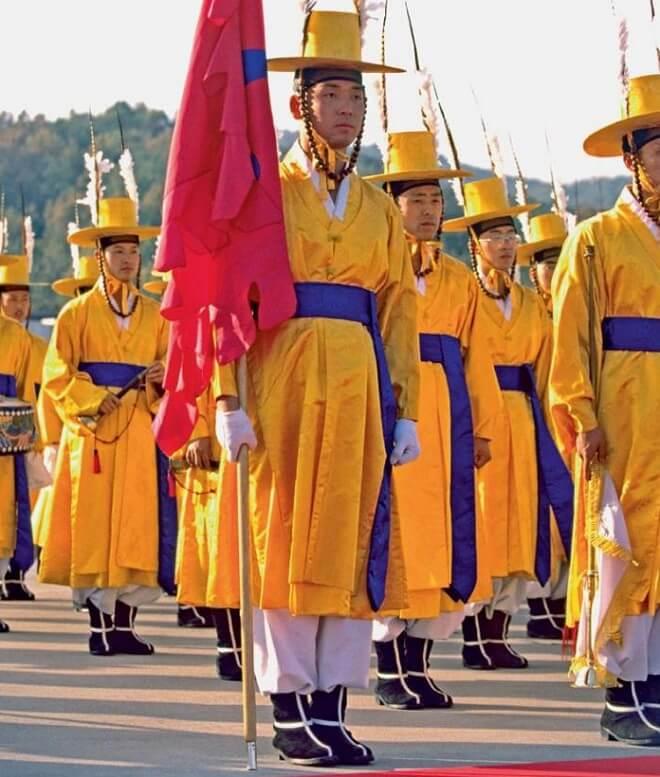 Pakaian Seragam Tentera Pelik Korea