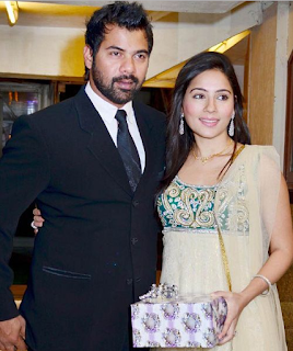 Foto Shabbir Ahluwalia dengan istrinya Kanchi Kaul