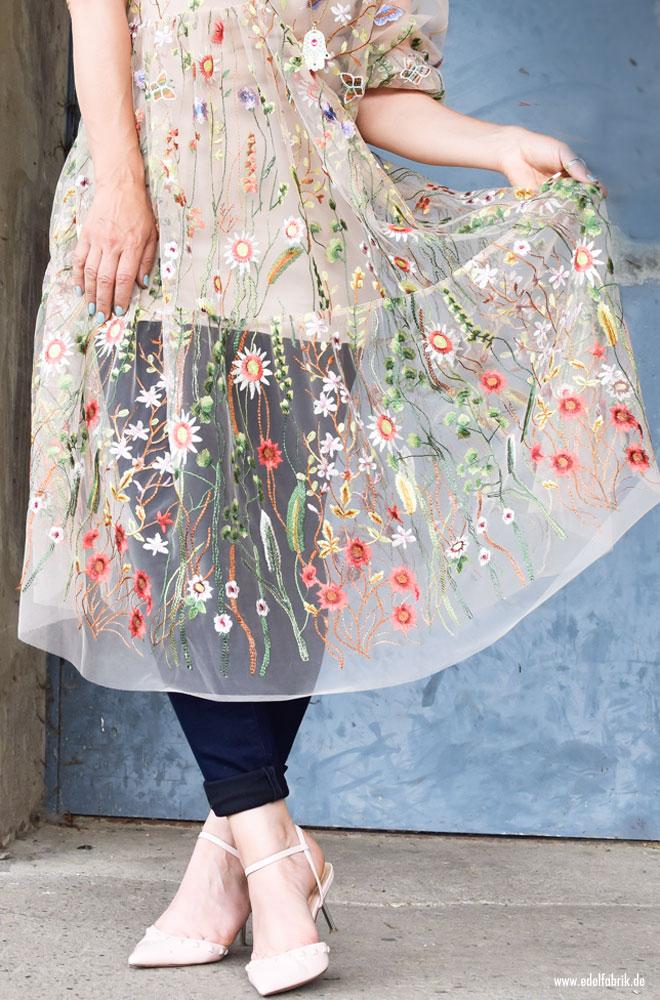 Tüllkleid von H&M mit Blumenstickerei
