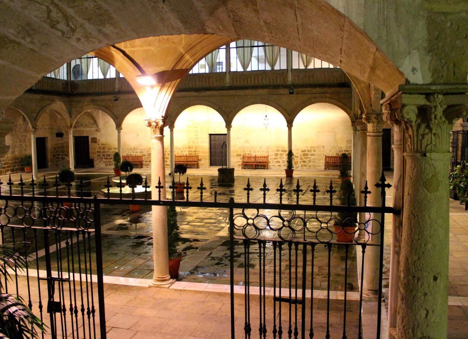 Claustro del Hospital de Santiago-Úbeda