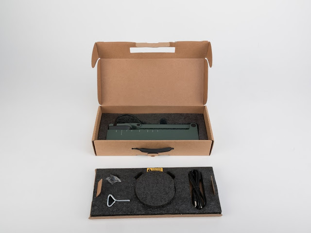 Image of IPEVO VZ-R HDMI/USB Document Camera Packaging