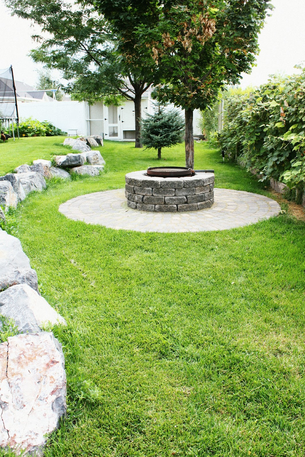 1000+ images about Backyard Fire Pits on Pinterest   Fire ...