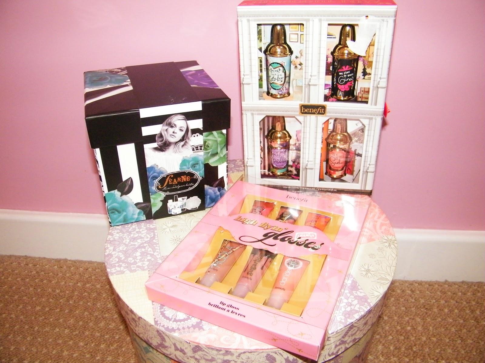 Benefit Perfumes & Lipgloss Gift Set