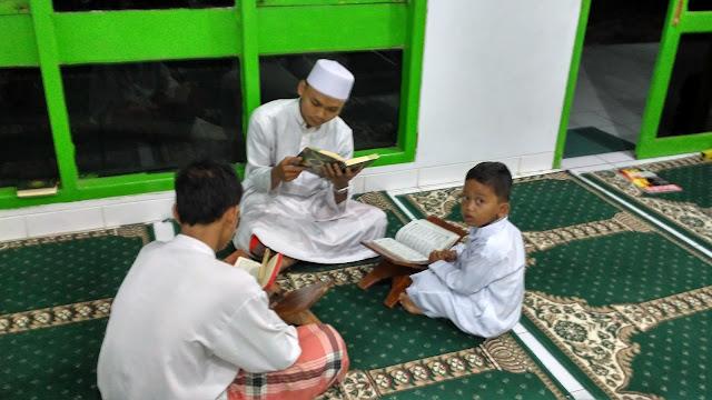 Contoh Gambar Amar Ma Ruf Nahi Munkar