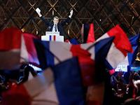 Dansa dan Sorak Gembira Warga Prancis Sambut Kemenangan Macron