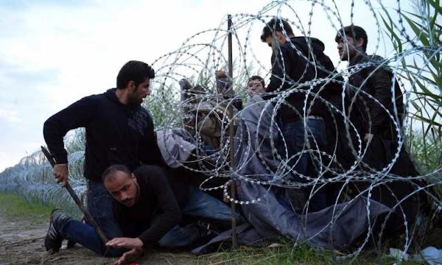 """«Ενσωματώνουν» αθόρυβα μουσουλμάνους.. Έβαλαν """"προσφυγόπουλα"""" στο κτίριο της Πυροσβεστικής στα Ιωάννινα!"""