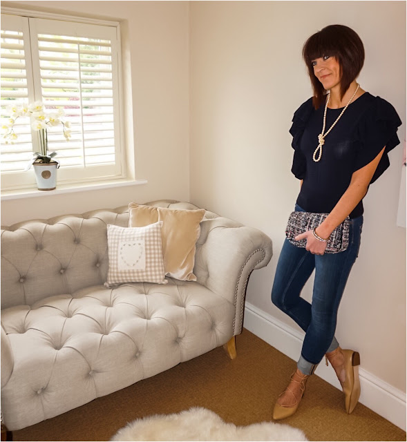 My Midlife Fashion, Single row long length pearl necklace, h and m fine knit top, french connection rebound skinny jeans, zara ghillie flat pointed lace up flats, tweed across body bag