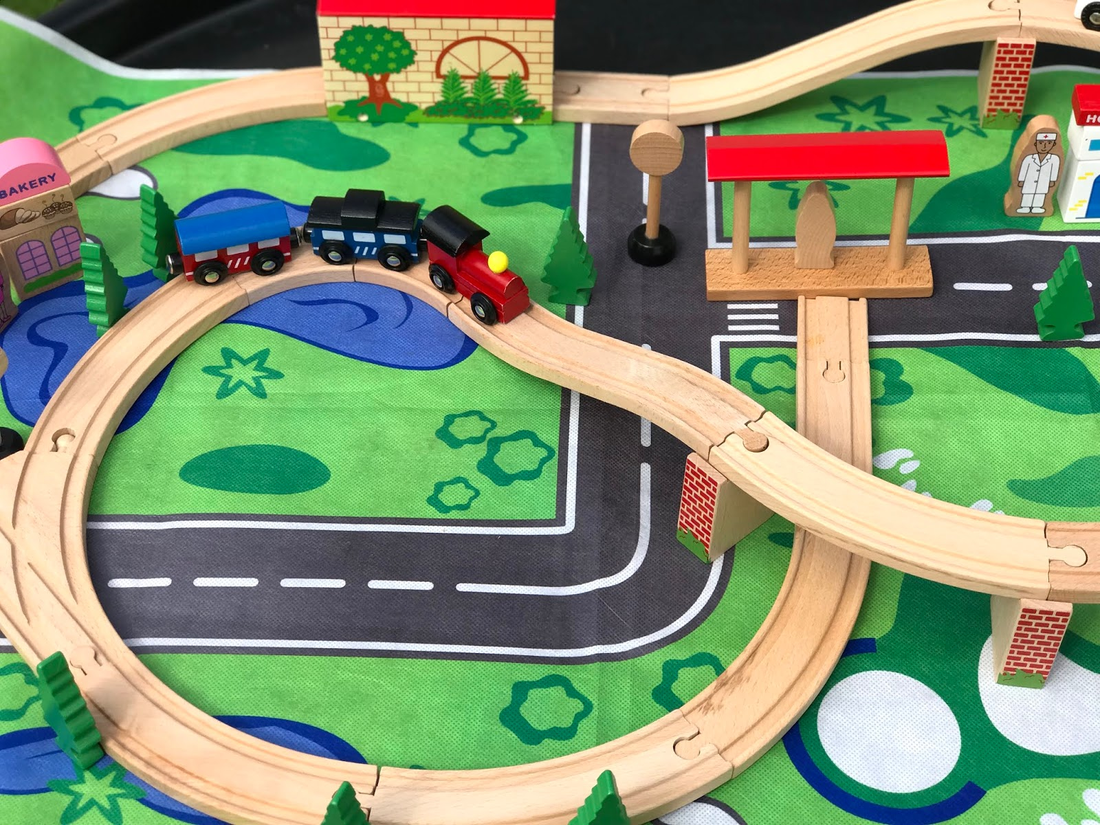 Toddler-Mini-Haul-Wooden-Train-Track-Set