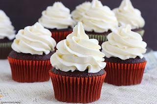 gambar kue cupcake coklat buttercream