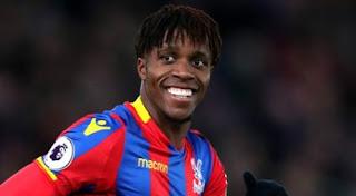 Wilfried Zaha Nyatakan Bertahan di Crystal Palace