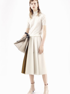 2017 Cruise Collection Jil Sander white short sleeve turtleneck and white midi skirt with pleats