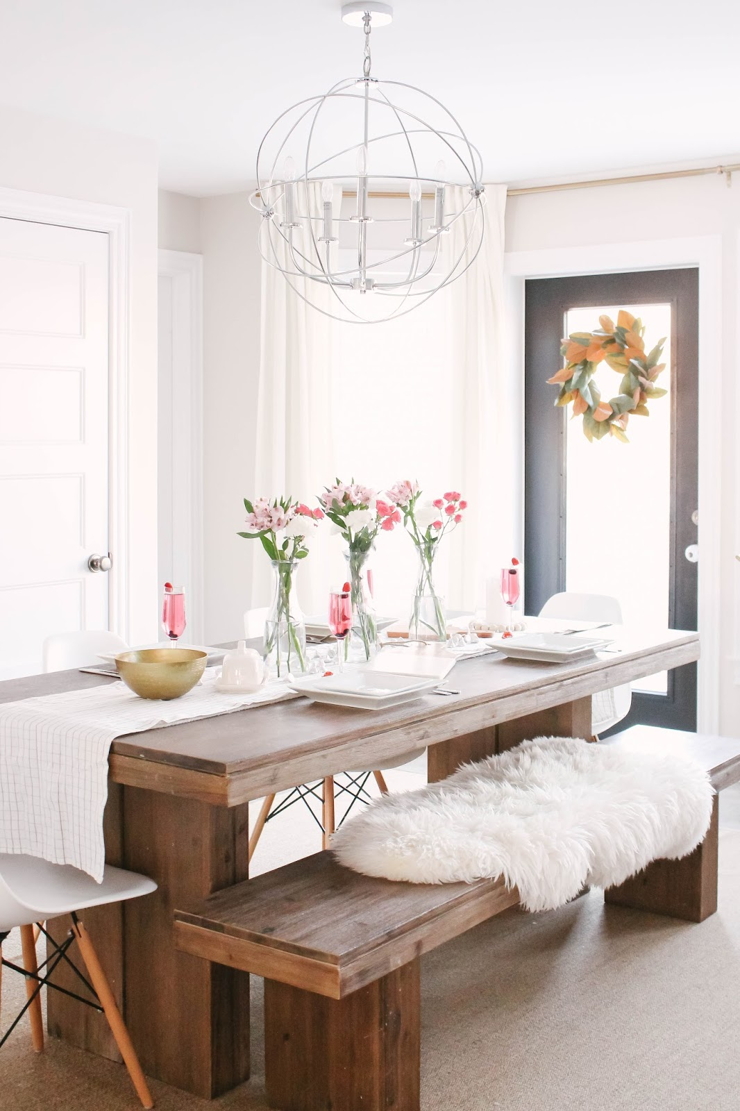 Fresh & Simple Valentine\'s Day Tablescape | house of hire