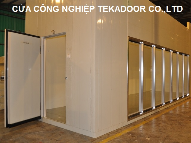 Cửa kho trữ lạnh mở bản lề Chiller Room Door