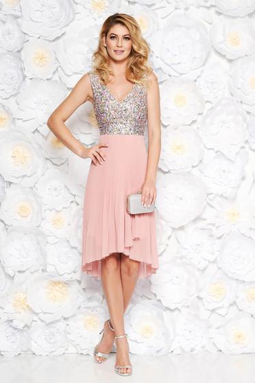 Rochie rosa de ocazie in clos din voal plisata si paiete captusita pe interior cu decolteu in v