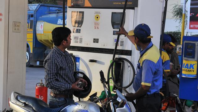 पेट्रोल 3.38 और डीजल 2.67 रुपए महंगा
