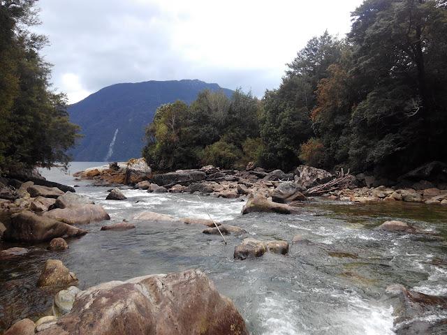 Estero Gonzalo, Parque Pumalín, Chile