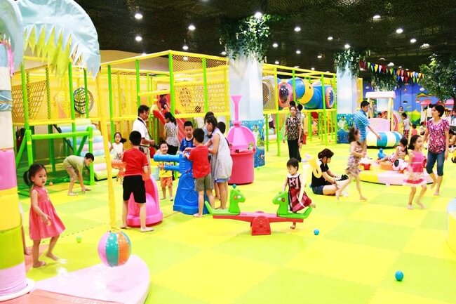 Trẻ em thoả sức giải trí tại khu vui chơi Vinke của Vingroup