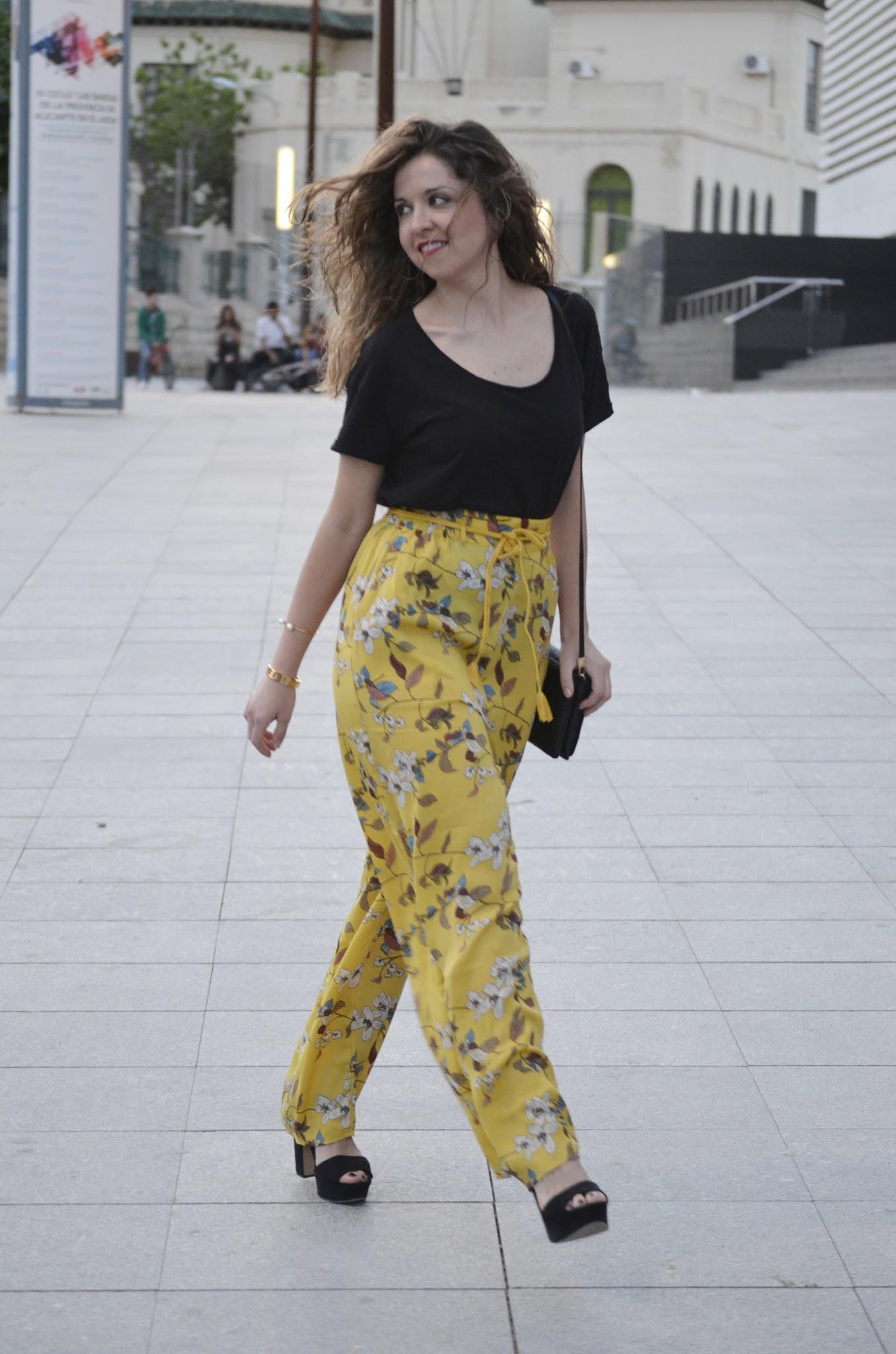 sfera-el-corte-ingles-pantalones-de-flores