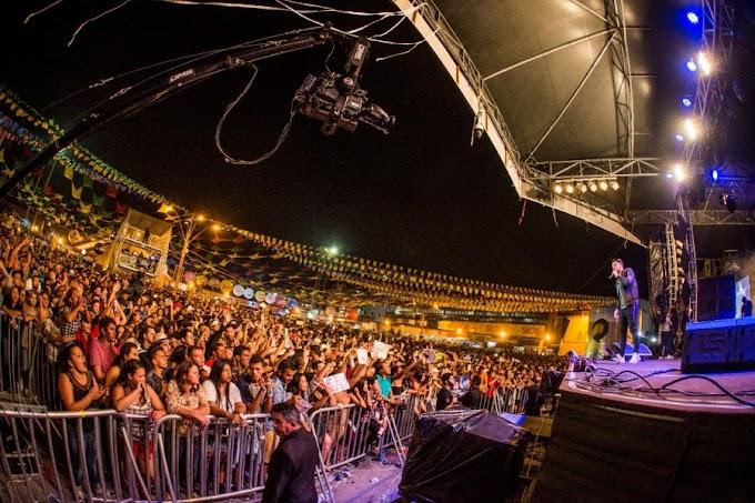 Em show de muita interação com o público, Wesley Safadão comanda noite de São Pedro no Maior São João do Mundo