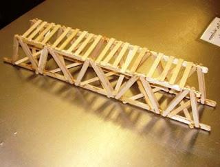 Cara Membuat Jembatan dari Stik Es Krim yang Mampu Menahan Beban 100 Kg