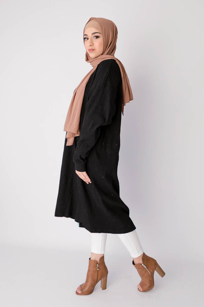 midi dress hitam manis untuk hijab