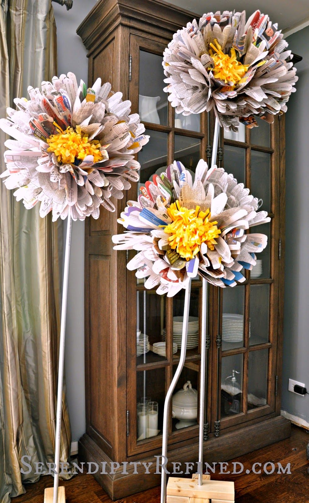 Giant Free Standing Paper Flowers on Conduit Stems Tutorial