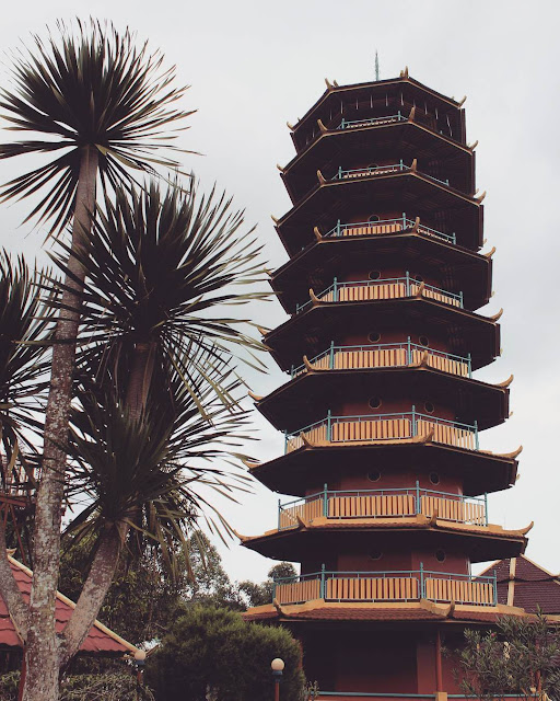pagoda ekayana tomohon