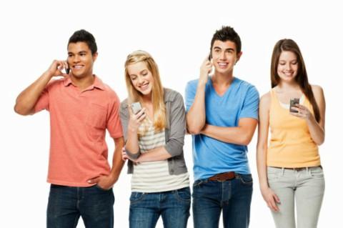 Tips Menghindarkan Remaja dari Kecanduan Gadget