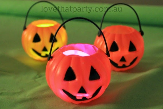 glowing halloween garland lanterns pumpkins