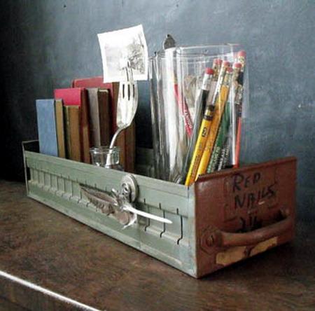 El mundo del reciclaje estanter as hechas con material for Muebles de derribo