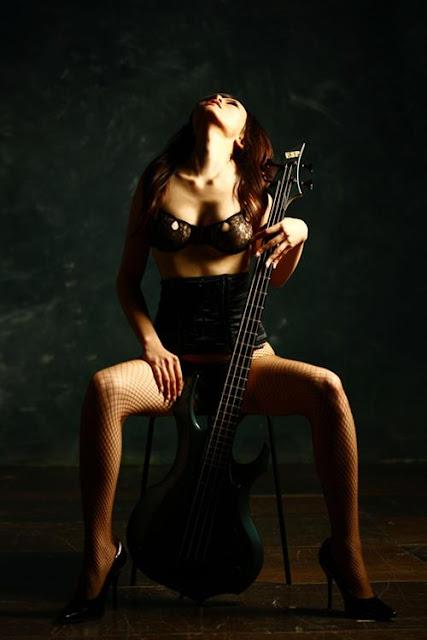 Sexy Metal: Doris Yeh