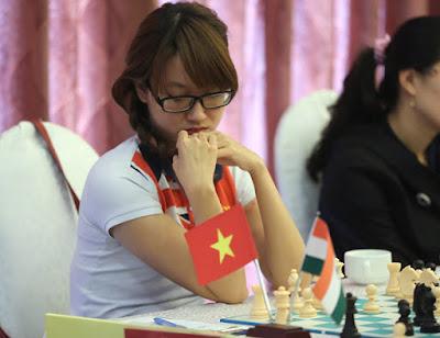 Nữ kỳ thủ Kim Phụng đả bại 3 nam đại kiện tướng ở London