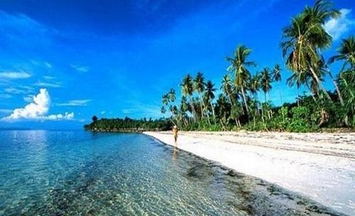 Pesona wisata  Pantai Nihiwatu