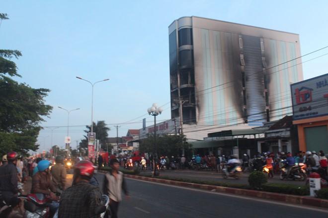 Gia Lai: Tòa nhà lớn nhất huyện Chư Sê bị cháy thiệt hại gần 10 tỉ đồng