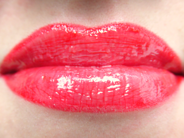 glominerals gloGloss Lipgloss in Poppy - 4.5g - 25.50 Euro- Review, Photos, Swatches
