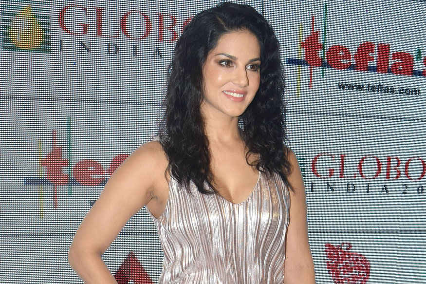 Bipasha Basu & Sunny Leone at Globoil India Awards 2017