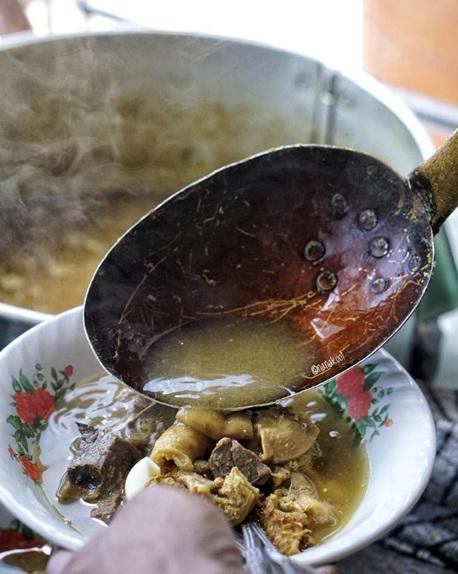 5 Tempat Makan di Bandung dengan Menu Soto Enak