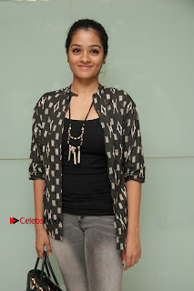 Tamil Actress athrie Shankar Pos in Jeans at Maanagaram Premiere Show  0003.jpg