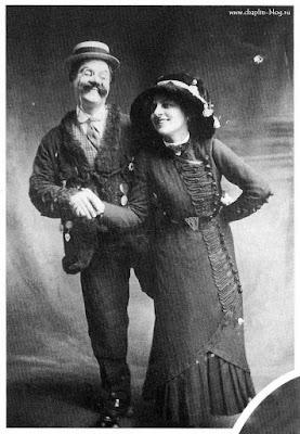 """Сид Чаплин и Минни Гилберт в скетче """"Skating"""" Фреда Карно"""