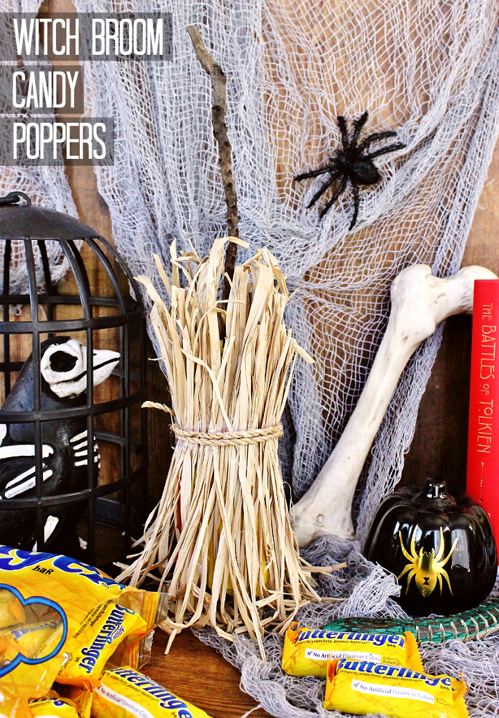 Make these adorable D.I.Y Witch's Broom Candy Poppers for your next Fall or Halloween event! #Sponsored #TrickOrButterfinger