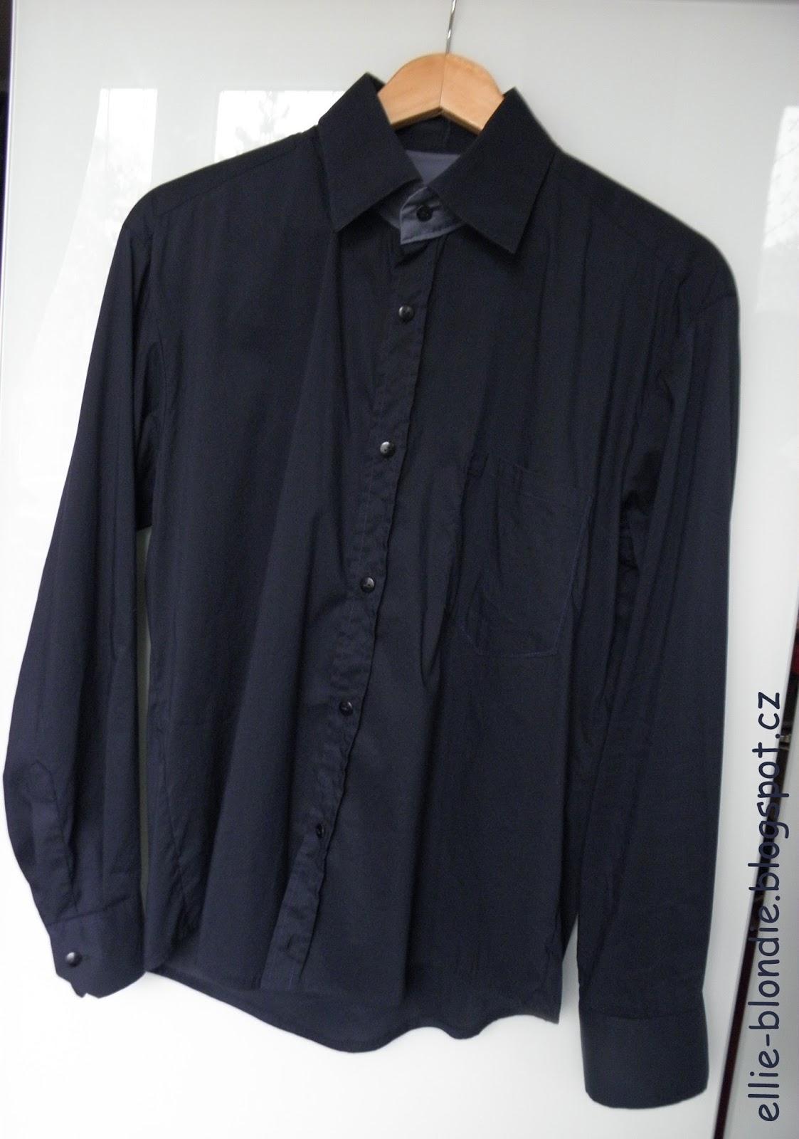 Košile je zapínaná na knoflíky da5eccb41f