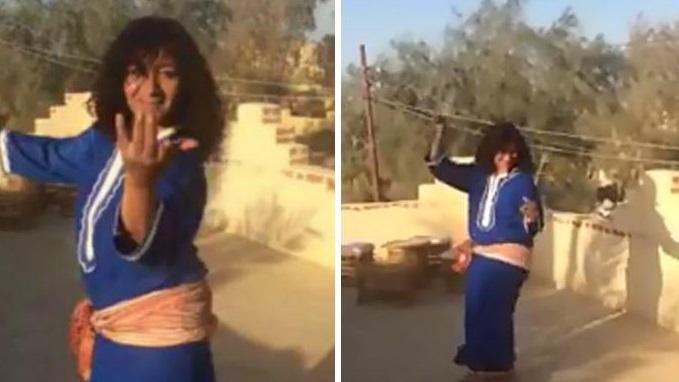 النساء يبدأون برنامجهم الإنتخابي بفقرة رقص