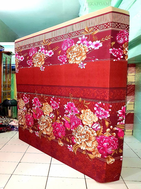 Kasur inoac motifbunga diva merah maroon